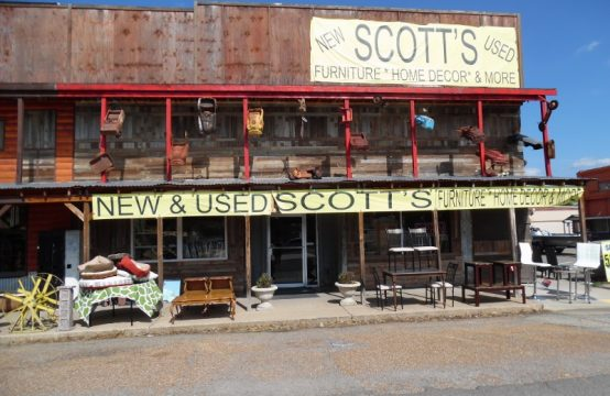 100 West Main Street – Scott's Furniture Store in Vian