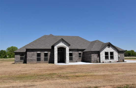 475727 E 1112 Rd., Muldrow, OK 74948